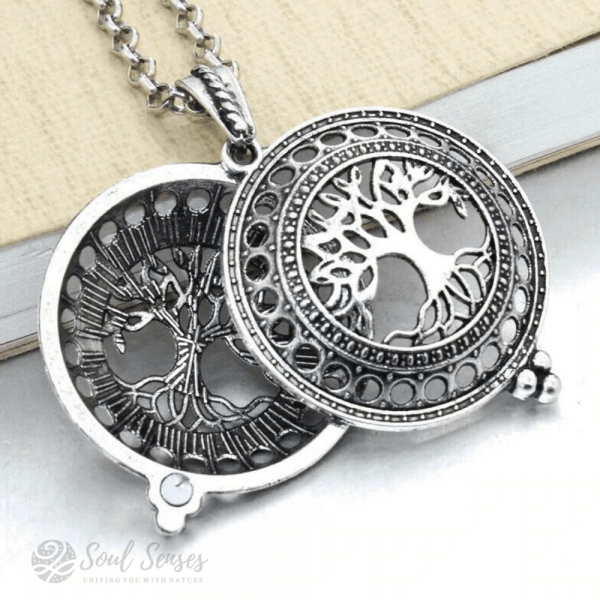 Essential Oil Aromatherapy Diffuser Round Vintage Locket - Silver Tree Of Life Open